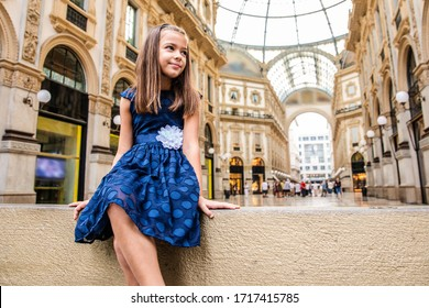 Beautiful child enjoy her holiday in Milan