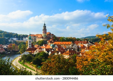 Beautiful cityscape of Cesky Krumlov in autumn.