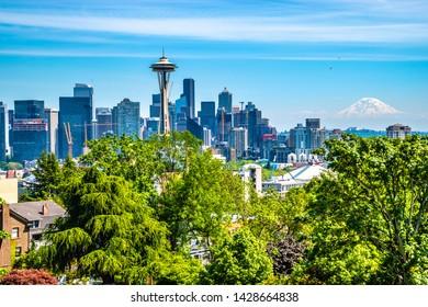 Beautiful Clear Skies in Seattle, Washington