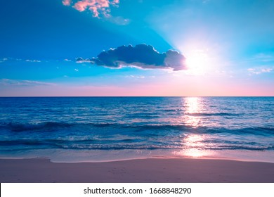 Beautiful cloudscape over the sea,sunset on the tropical beach