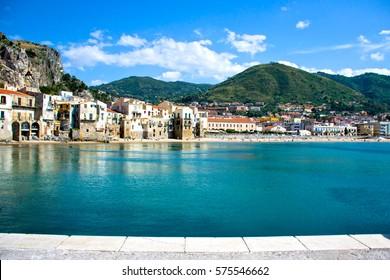 Schöne Küste von Cefalu, Palermo - Sizilien