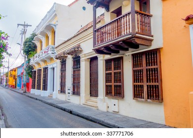 Fachadas De Casas Antiguas Images Stock Photos Vectors Shutterstock - Fachadas-antiguas-de-casas