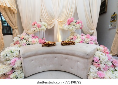 beautiful and creative Malay wedding dais, flowers and decorations.