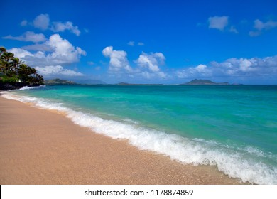 A beautiful day at Lanai Beach on Oahu, Hawaii