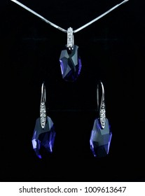 Beautiful Design of Jewelry Fashion Accessories for Women and lady Shiny crystal or diamond