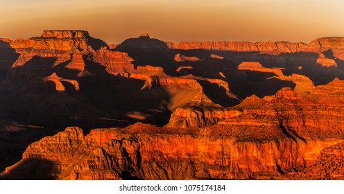 Beautiful and dramatic Grand Canyon overlook from the Hopi Point at sunset in summer, Arizona.