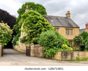 Beautiful English cottages in rural setting of Somerset, UK