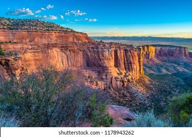 Beautiful Fall Sunrise Hike at Colorado National Monument