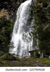 beautiful falls seen on the way to mustang