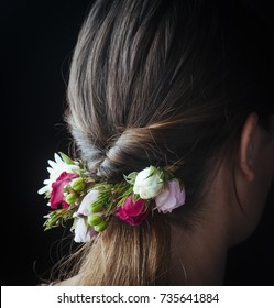 beautiful floral arrangement in bride's hair