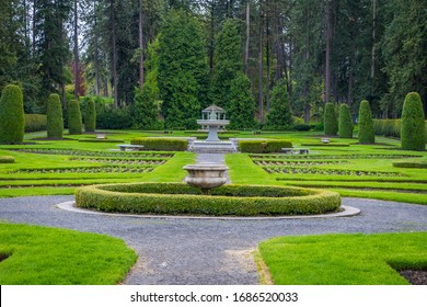 Beautiful fountain in the middle of the park. Amazing park landscape. Manito Park and Botanical Gardens, Spokane, Washington, United States