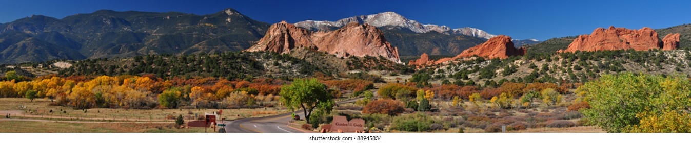 Beautiful Garden of the Gods Panorama 102