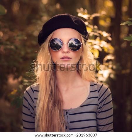 Beautiful Girl Beret Model Summer Park Stock Photo (Edit Now ... 338ef5be51b