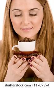 Beautiful girl enjot in coffee.