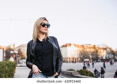 beautiful girl, model posing, walking city,fashion and beauty