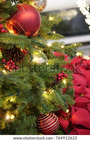 beautiful and glow christmas tree decoration with the colorful babule and red berries - Red Berry Christmas Tree Decorations