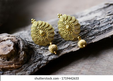 Beautiful Golden pair of earrings, Luxury female jewelry, Indian traditional jewellery,Indian jewelry Bridal Gold earrings wedding jewellery