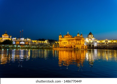 Beautiful Golden Temple at night, Amritsar, Punjab, India.