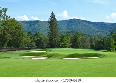beautiful-golf-course-manicured-fairway-
