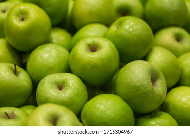 Beautiful green apples at the market
