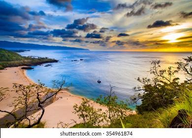 Beautiful Hawaiian colors at Waimea Bay