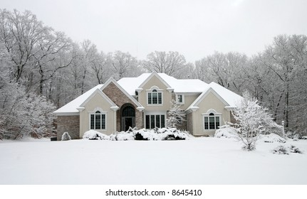 beautiful home in winter