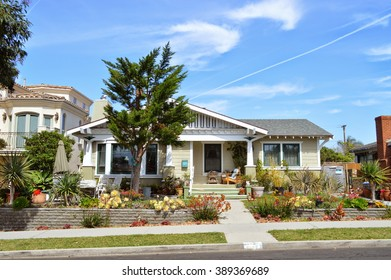 Beautiful homes and estates in the Redondo Beach City, California.