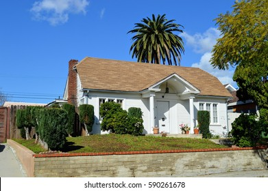 Beautiful homes and estates in an upscale neighborhood of Los Angeles, CA.