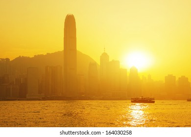Beautiful HongKong cityscape at sunset (Hong Kong)