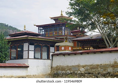 Beautiful house built in Bhutanese style. On the way to Punakha Dzong. Punakha. Bhutan