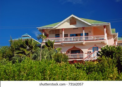 Beautiful house in the garden on Union Island