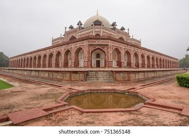 Beautiful Humanyun Tomb, great mughal architecture  , Delhi, India