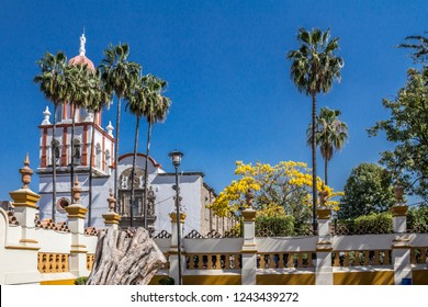 beautiful image of the facade of the church of San Pedro Apóstol in a wonderful and sunny day in Tlaquepaque Jalisco Mexico