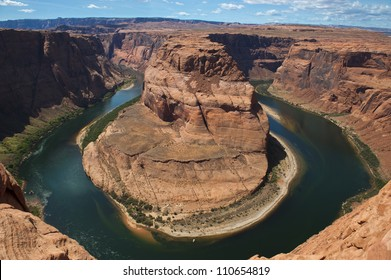 Beautiful image of Horseshoe Bend and the Little Colorado River loop in Page Arizona.