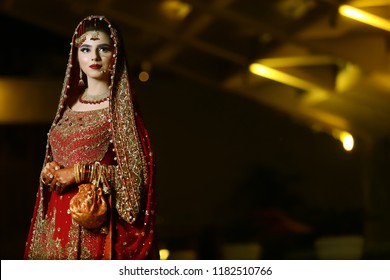 Pakistani Poses Photoshoot Wedding Photography Wedding Photography Poses