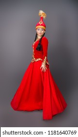 Beautiful kazakh woman in national red costume– stock image