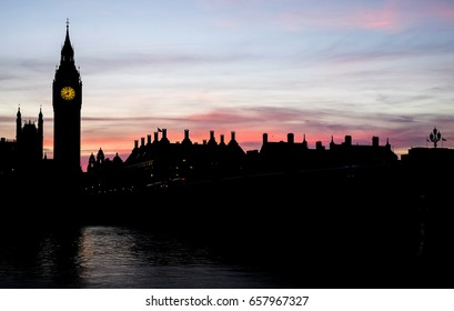 beautiful landscape of Big Ben clock tower and the house of parliament in the dusk, London, UK