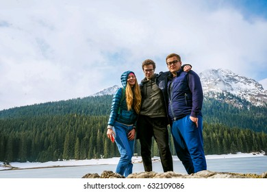 Beautiful landscape. Crno Lake. National park Durmitor and Black Lake. Zhablyak, Montenegro. Young people looks at a landscape
