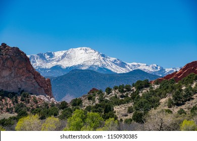 Beautiful landscape of the famous Garden of the Gods at Manitou Springs, Colorado