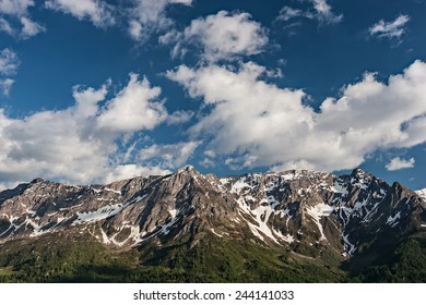 Beautiful landscape photo of mountains on the Swiss Alps.