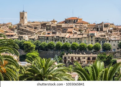 Beautiful landscape of the Provence-Alpes-Cote d'Azur region in southeastern France. View from legendary ancient Provencal village of Saint Paul de Vence. France.
