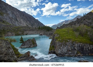Beautiful landscape with turquoise mountain lake, Altai, Russia