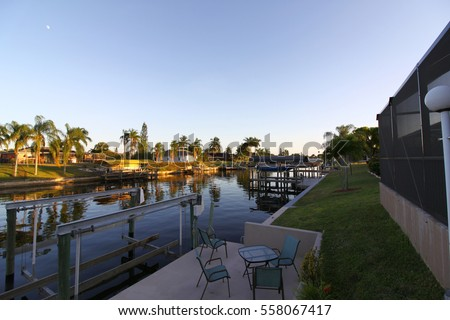 Beautiful And Large Houses And Holiday Homes Direct At The Canal. Cape  Coral, Florida
