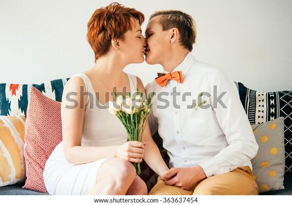 ei lesbo mutta dating tyttödating kaveri Kliininen masennus