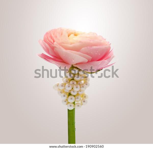 Flower Pearls Drop