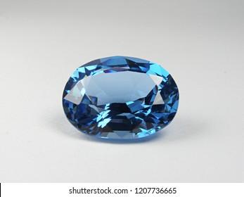 beautiful loose gemstone blue sapphire oval good cutting for design fashion jewellery