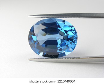 beautiful loose gemstone blue sapphire oval good cutting for design fashion jewellery