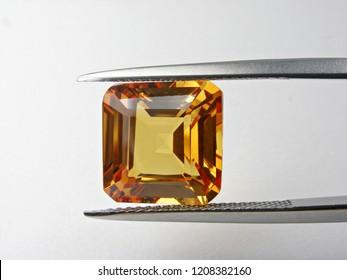 beautiful loose gemstone yellow sapphire good cutting for design fashion jewellery