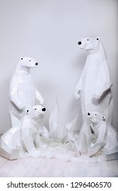 Beautiful low poly polar bears