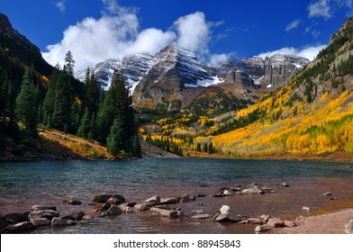 Beautiful Maroon Bells in Autumn 100